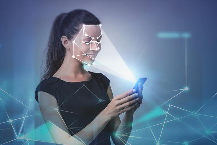 mở khóa bằng khuôn mặt trên camera AI