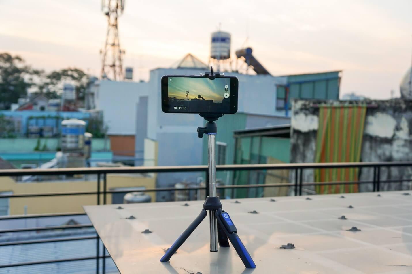 sử dụng tripod khi quay phim