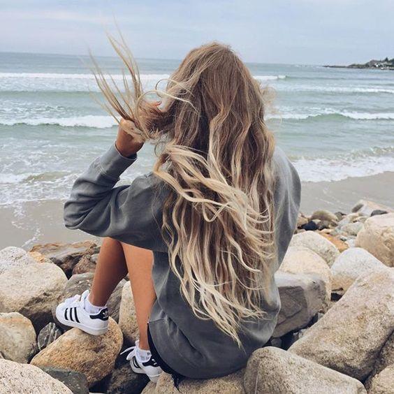 Vén tóc đầy nữ tính
