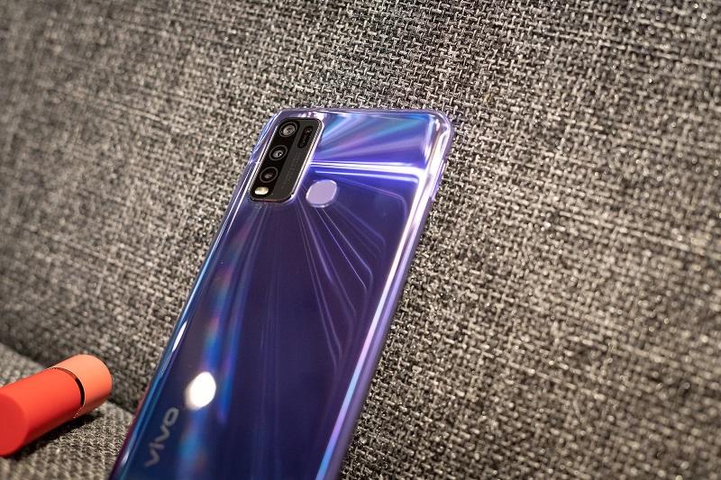 điện thoại vivo Y50 màu xanh tím