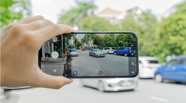 Chỉnh ảnh chụp phong cảnh bằng camera vivo V17 Pro