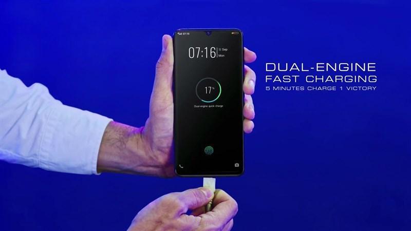 công nghệ sạc nhanh Dual Engine trên điện thoại vivo