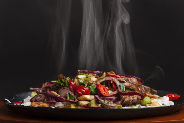 chụp món ăn lúc còn nóng