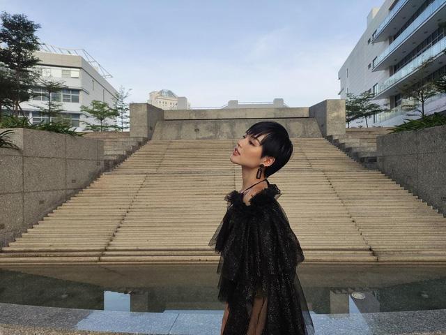 bộ ảnh lifestyle cực chất của Khánh Linh