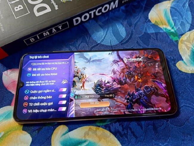 Chơi game thoải mái với viên pin 4500mAh của vivo S1 Pro