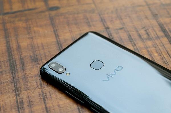 Hệ thống camera sau của điện thoại selfie đẹp giá rẻ vivo V9