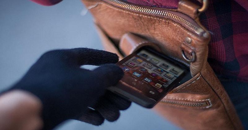 Nguy hiểm khi điện thoại không cài mật khẩu bị lấy cắp