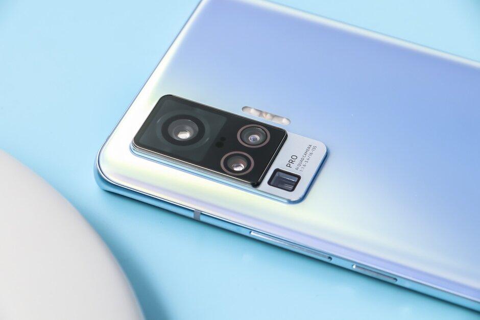 vivo X50 Pro sở hữu ngoại hình vô cùng bắt mắt