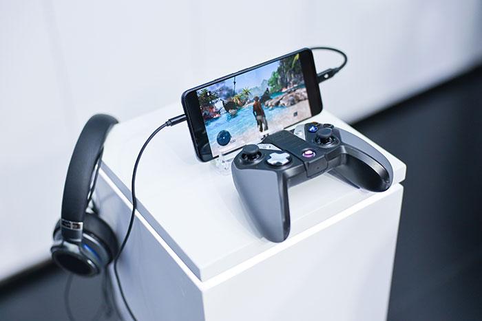 Trải nghiệm chơi game gần như hoàn hảo bởi quá trình xử lý đã được hỗ trợ bởi công nghệ 5G và điện toán đám mây